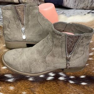 G By Guess Light Brown Ankle Booties Size 9